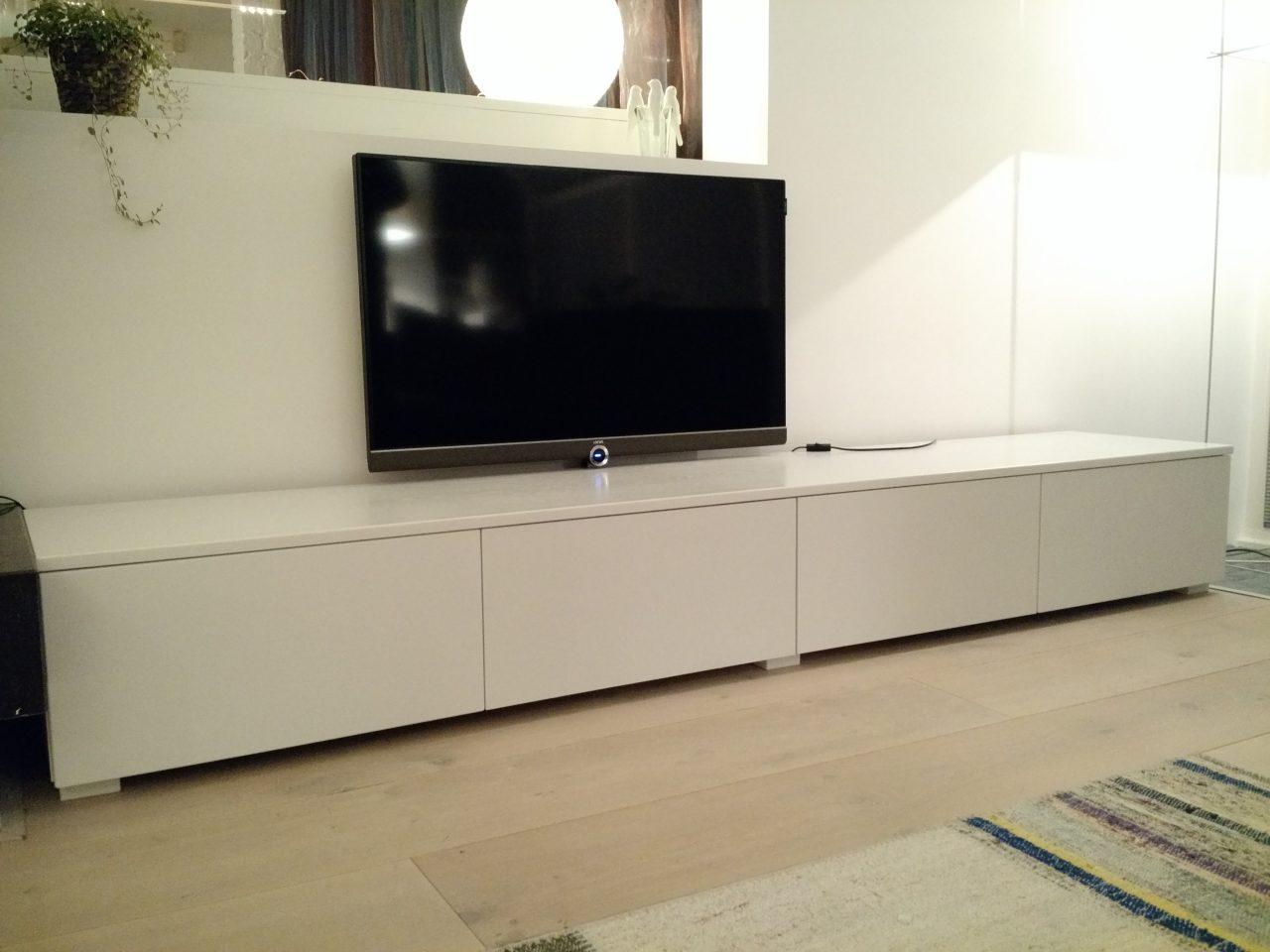 Witte tv meubel, op maat gemaakt.