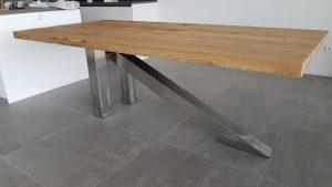 tafel met metaalonderstel op maat